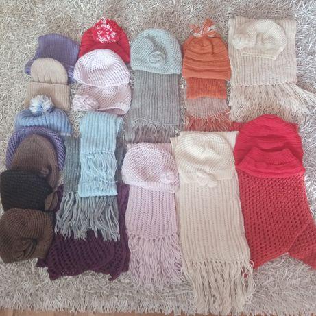 Sprzedam czapki, szaliki
