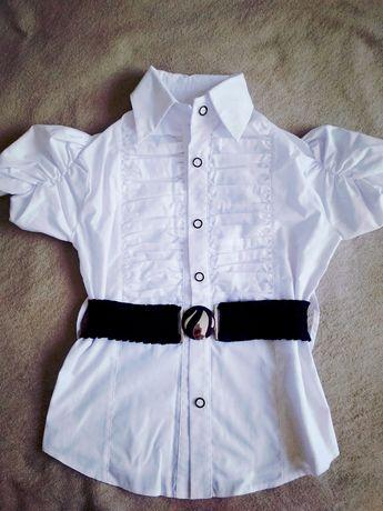 Блузка школьная, рост 134 см.