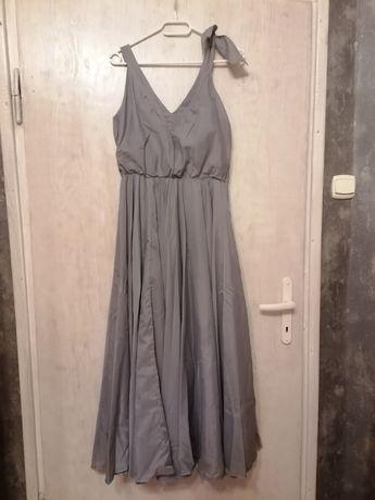 Szara suknia