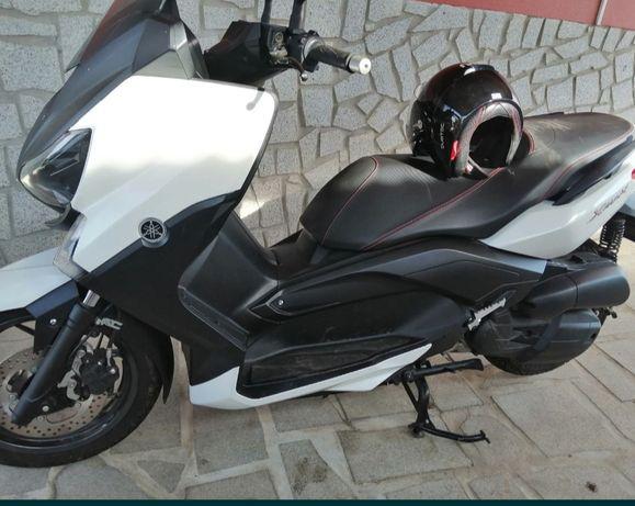 Secooter Yamaha 125 XMAX