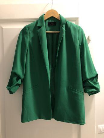Пиджак зелёного цвета