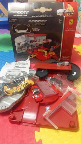Игровой набор Bburago Ferrari  2-х уровней.  Паркинг, гараж, запрвка