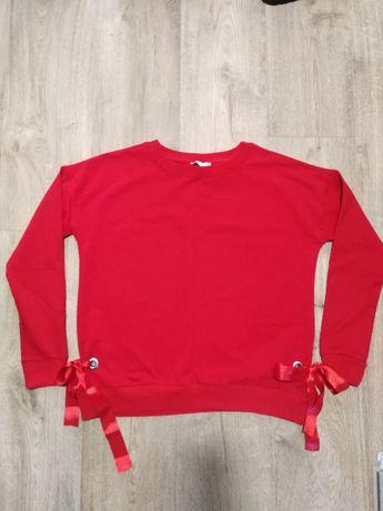 Nowa czerwona bluza