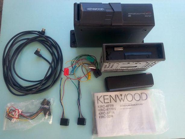 Rádio Kenwood KDC-C712 com caixa de CD