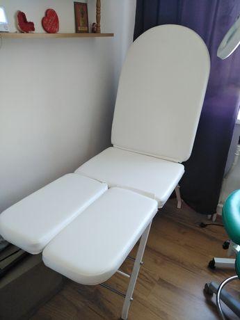 Mobilny fotel kosmetyczny