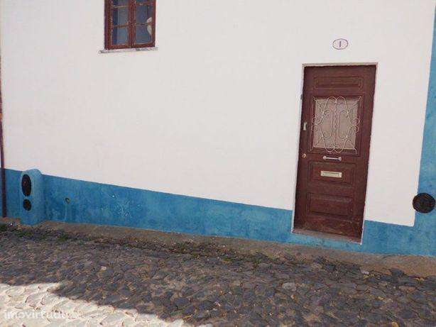 Moradia V3 localizada em Mombeja, aldeia a poucos minutos...