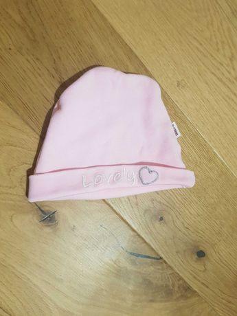 Różowa czapeczka dla dziewczynki