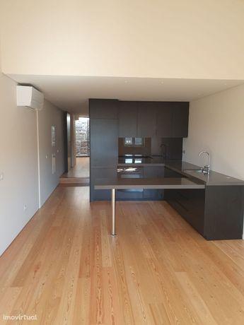 Vende-se T2 Duplex na zona histórica de Braga