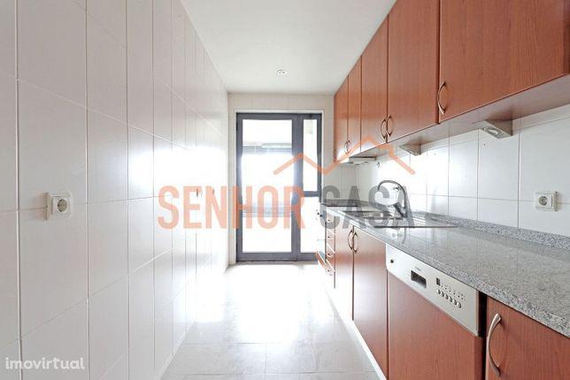 Apartamento T2 junto à Avenida da Boavista- Excelente Localização!
