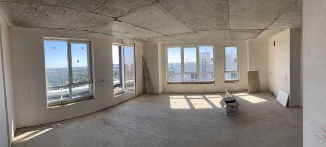 Продаж трикімнатної квартири у двох рівнях.