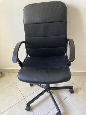 Cadeira de escritorio - Nova