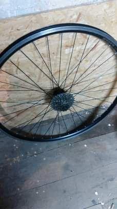 "Koła do roweru trekkingowego 28"" pod hamulec v-brake"