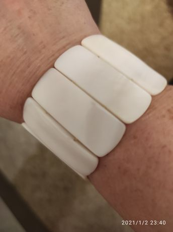 Biała bransoletka z masy perłowej