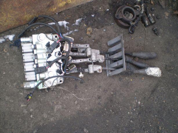 rozdzielacz 4 sekcyjny hydrauliczny wózek widłowy Cesab BT