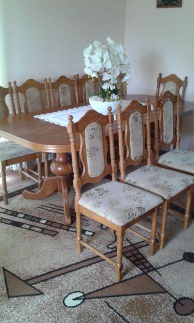 stół z 12 krzesłami