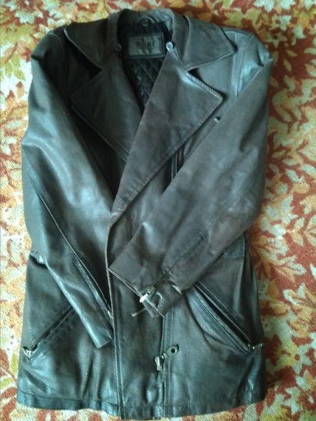 Женская демисезонная кожаная куртка 46-48