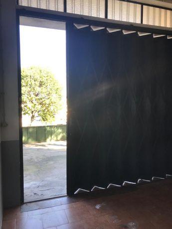Armazem 80 m2 - Oliveira do douro
