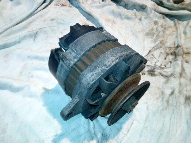 Alternator carrier thermo king yanmar kubota