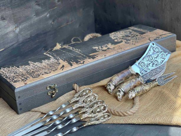 Элитный набор для шашлыка Лев в расписном кейсе из бука. Шампура