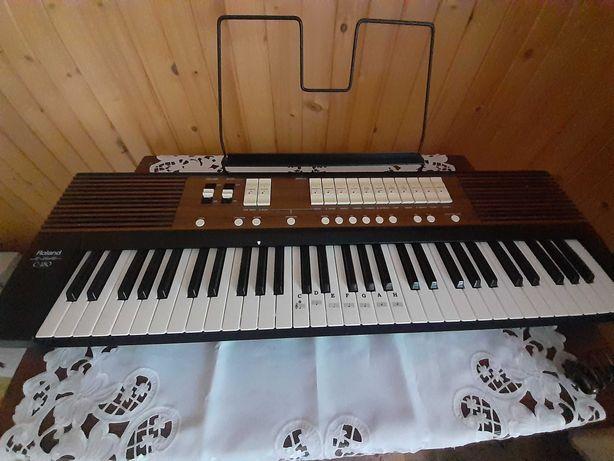 Keyboard koscielny,  Roland C -180