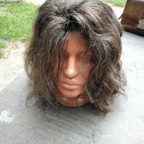 Продам парик натуральной волос .