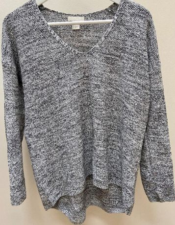 Sweter z dekoltem w serek H&M roz. S