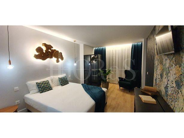 Apartamento T5 , com 135m², junto ao Aeroporto de Lisboa
