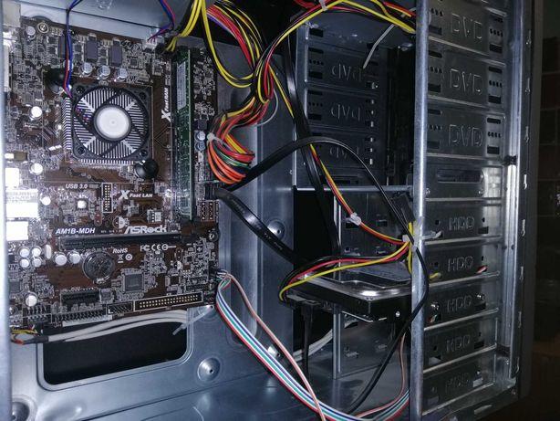 Комп'ютер із 4-х ядерним процесором