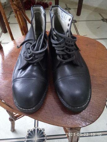 Продам ботинки мужские