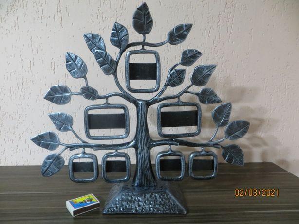 Кованое семейное древо для фотографий