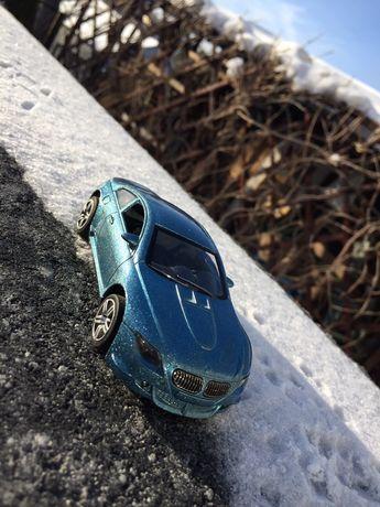 Kolekcjonerski resorak/autko BMW M6 - autka, resoraki
