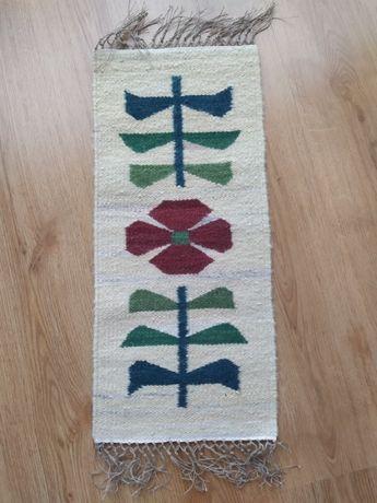 Nowy piękny kilim, rękodzieło. 100% wełna. Wymiary: 62 cm x 29 cm