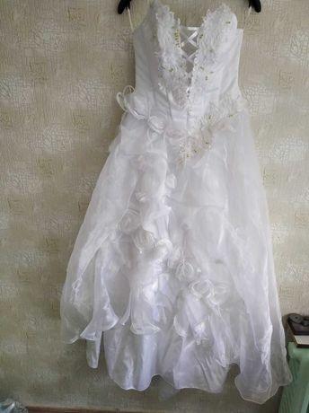 продам красивые свадебные платья