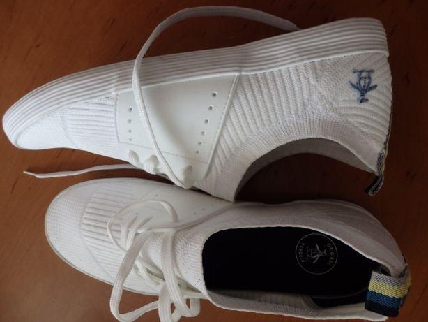 Buty markowe z USA 42