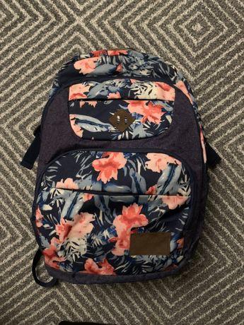Plecak HEAD w kwiaty, stan dobry
