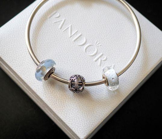 Pandora charms litera I