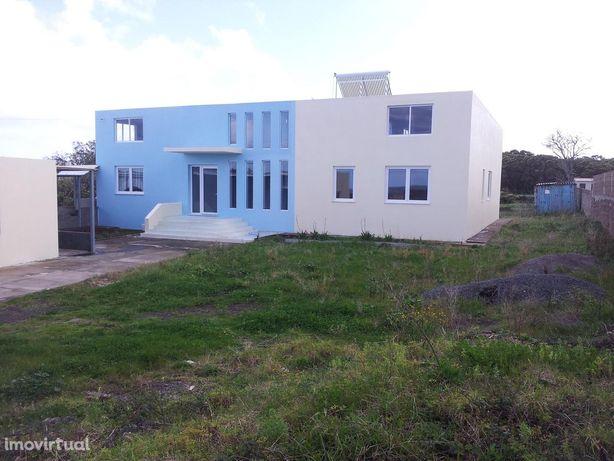 House/Villa em, Praia Da Vitória REF:5044
