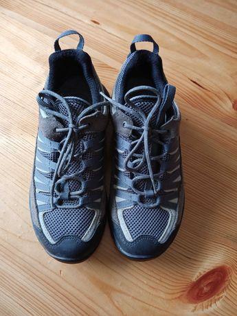 Трекінгові кросівки розм.38