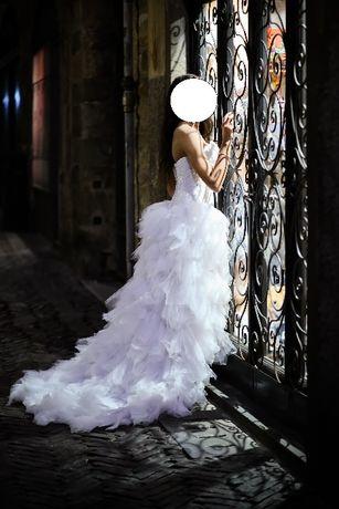 Suknia ślubna z trenem, bolerko