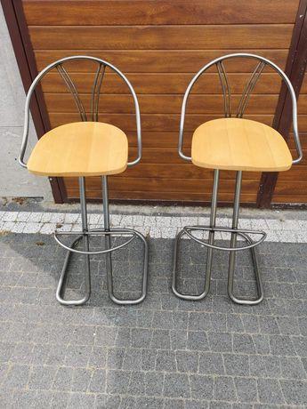 Krzesła, hokery.