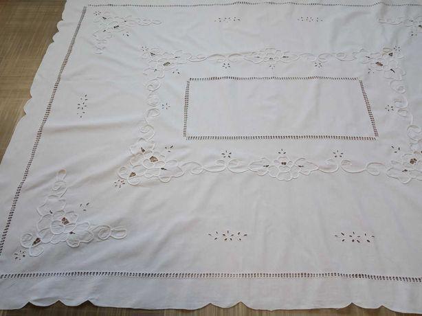Большая,винтажная скатерть 160/120.Гаптовка,ришелье
