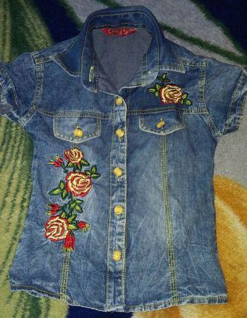Модная джинсовая рубашка на девочку