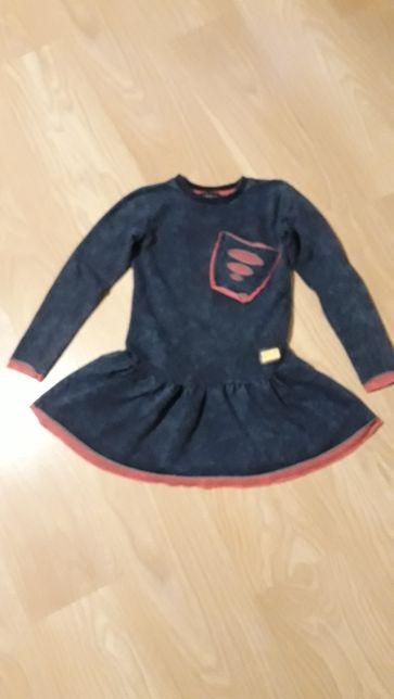 Sprzedam sukienkę dziewczencą 128