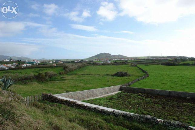 Terreno com 6 160 M2 (Vila do Porto - Açores)