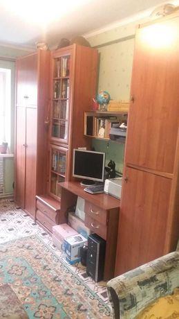 Мебель, рабочее место: шкафы, стол, книжная полка НЕДОРОГО!!!