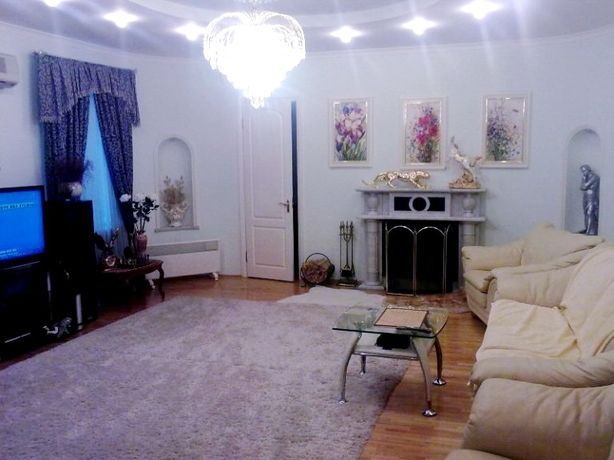 Собственик продает 6 комнатную квартиру в доме клубного типа