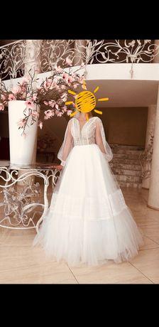 Сучасна  Весільна сукня