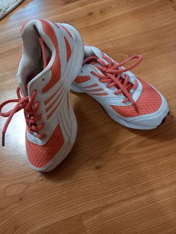 Спортивне взуття 37 -38р