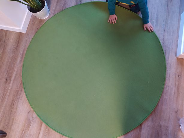 Круглый зелёный ковер 143 см