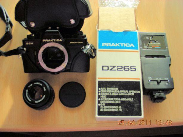 Máquina fotográfica analógica reflex Praktica BCA com acessórios